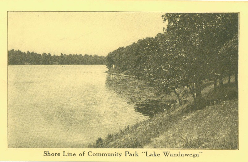 Shore line of Lake Wandawega community park