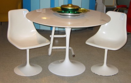 Saarinen tulip table.JPG