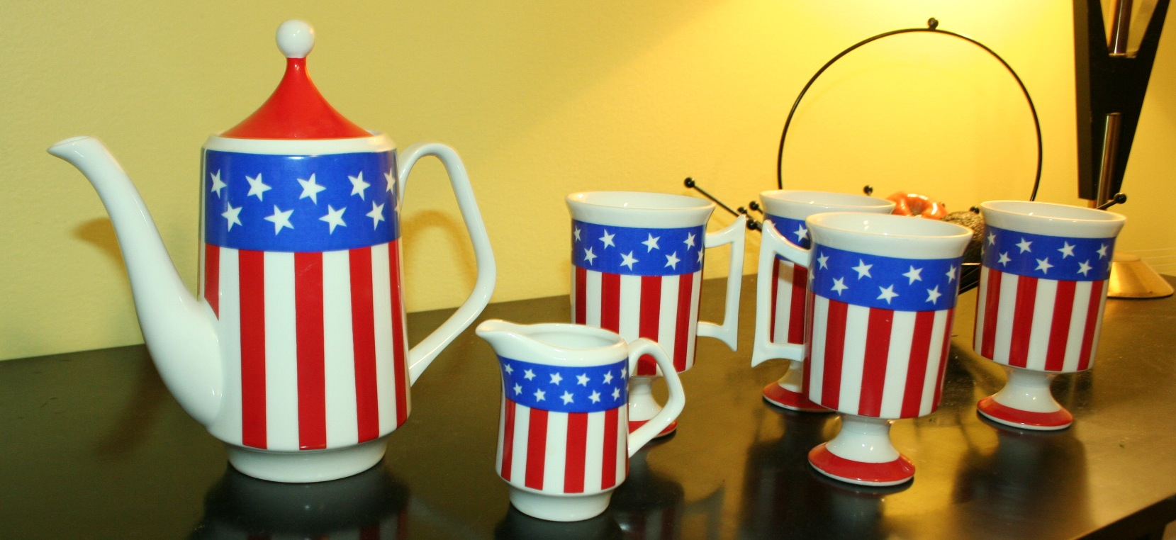 Stars & stripes coffee set.JPG