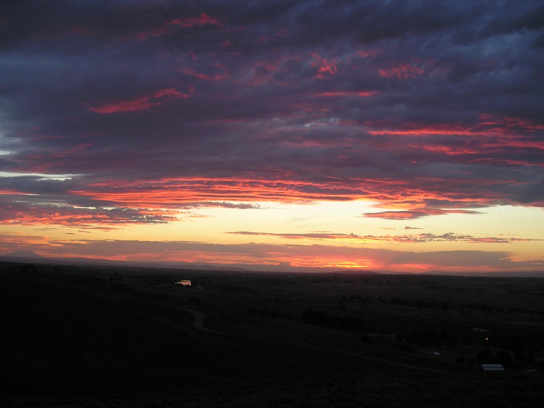 sunset over the yakima valley.jpg