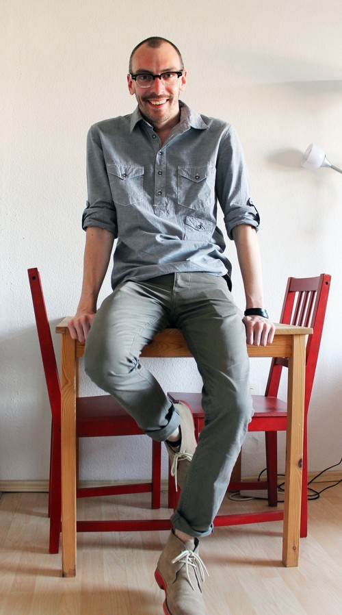 shirt- Rag & Bone, pants- Gant, shoes- Hawkings McGill, glasses- See, bracelet- H&M