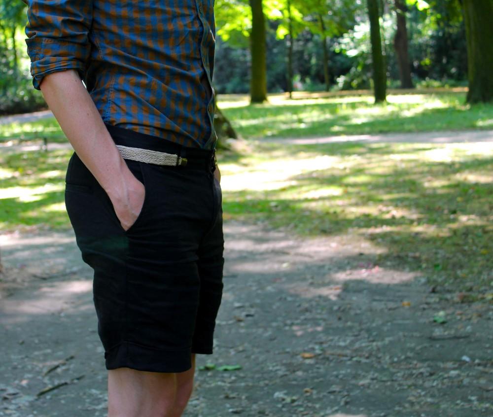 shirt: Kenzo, shorts: Zara