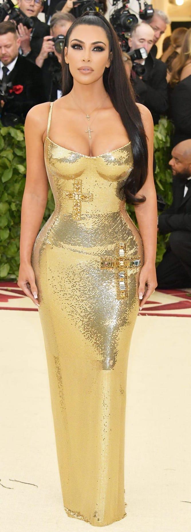kim-kardashian-versace.jpg