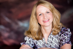 Lisa Schroeder - Guest on the Clear Eyes, Full Shelves Podcast