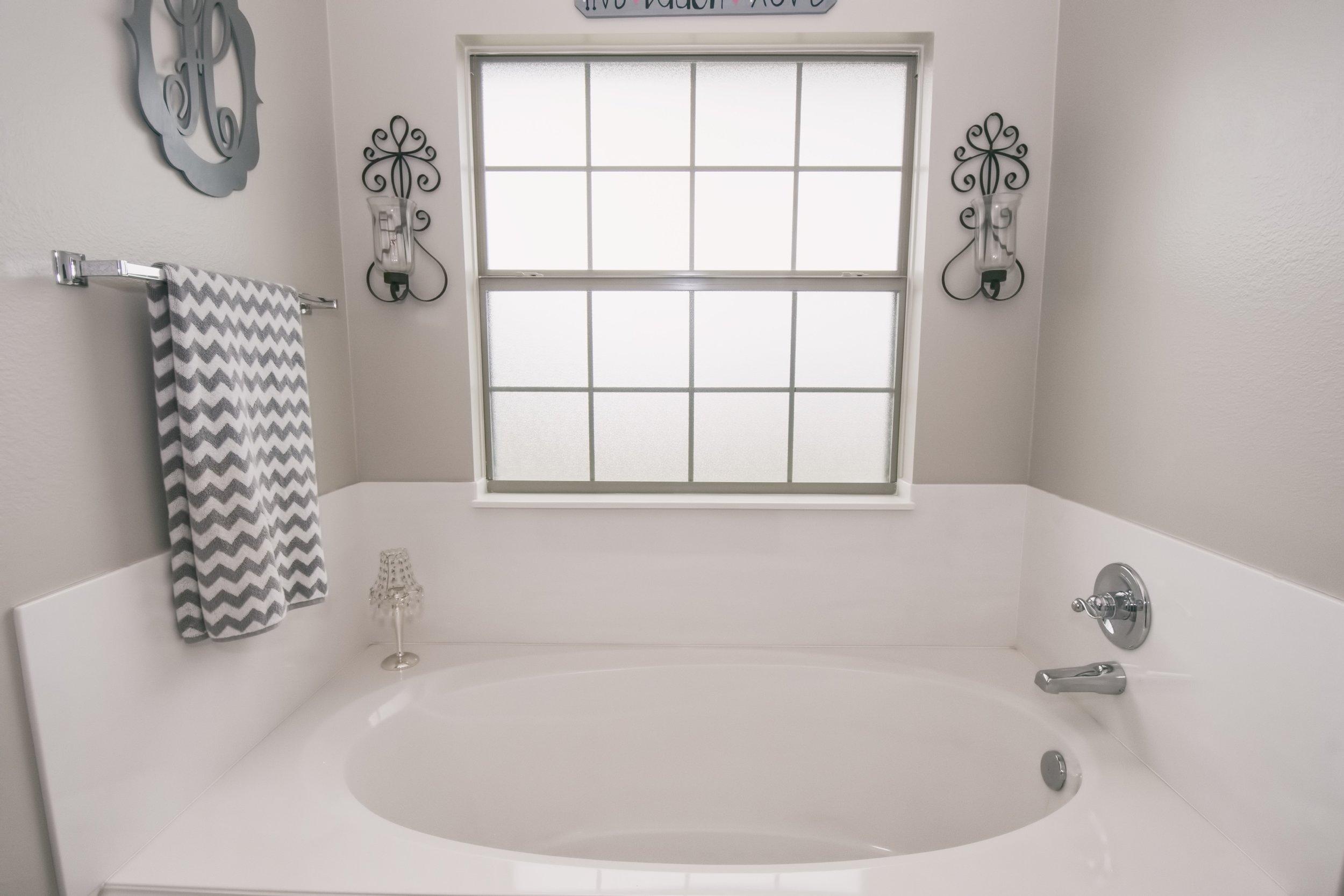 Casa Grande - 21 Master Bath B.jpg