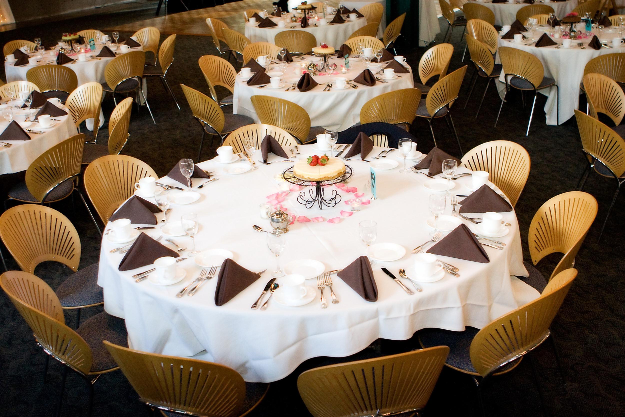 Centerpiece cake, Meghan doll.jpg