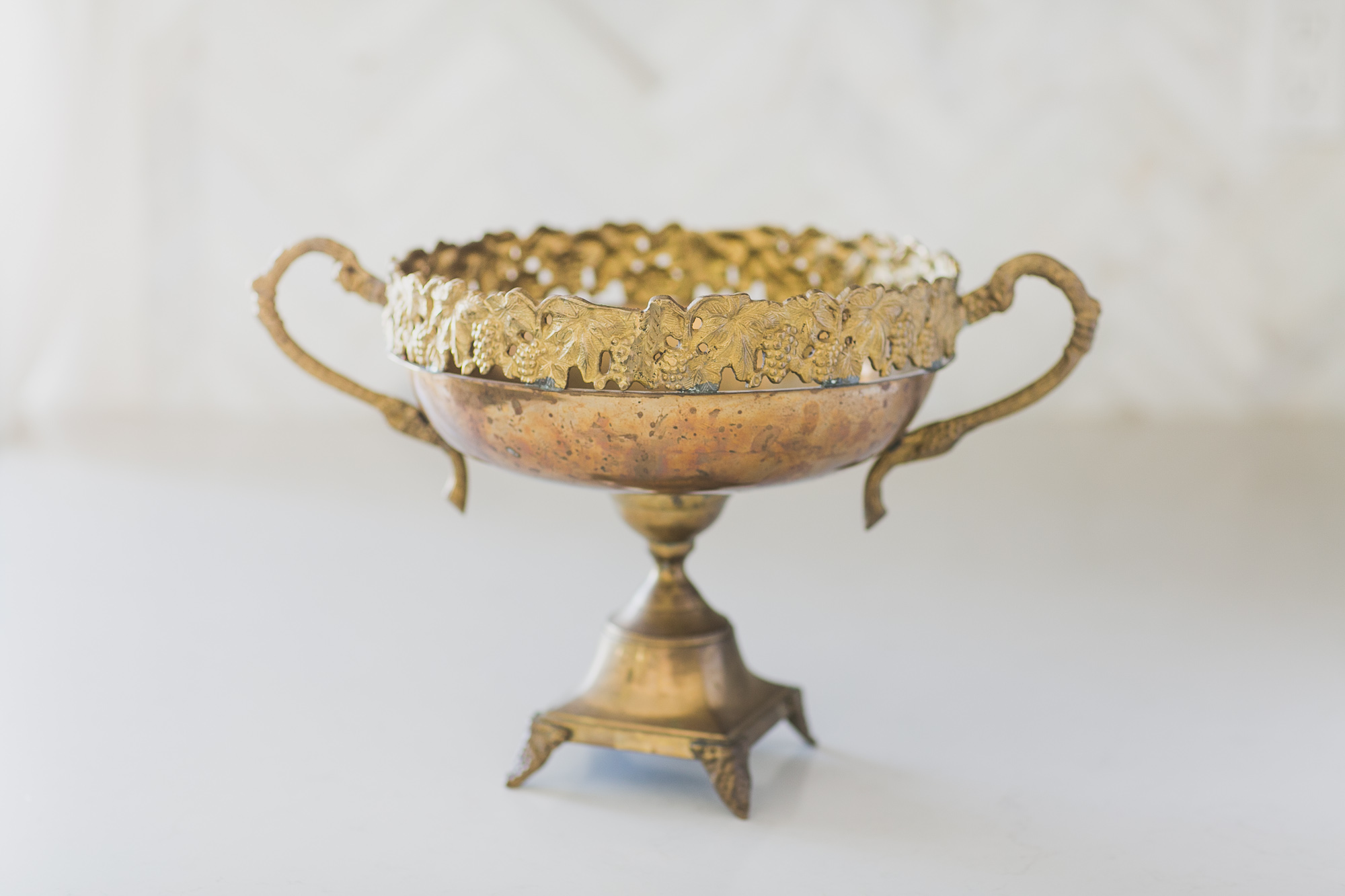 BRASS FOOTED FRUIT BOWL WITH HANDLE
