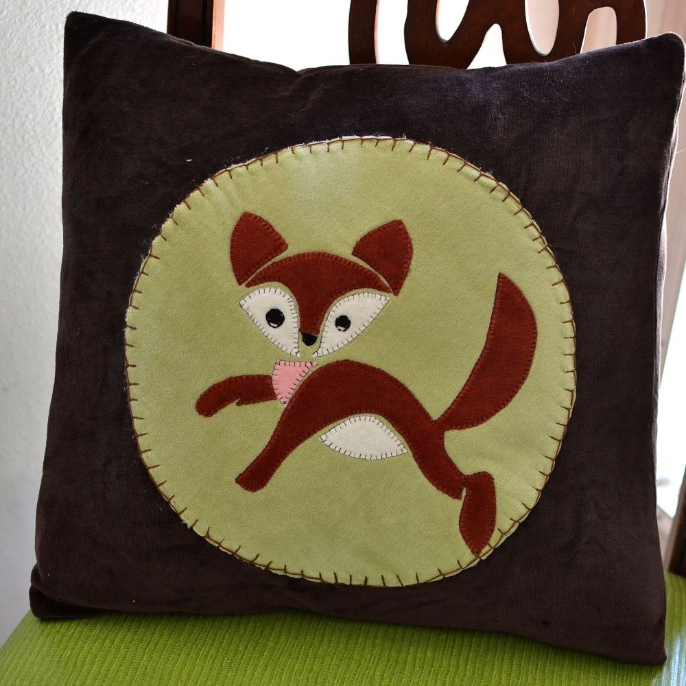 Free Little Fox Applique Pattern - SewCanShe Applique of the Month