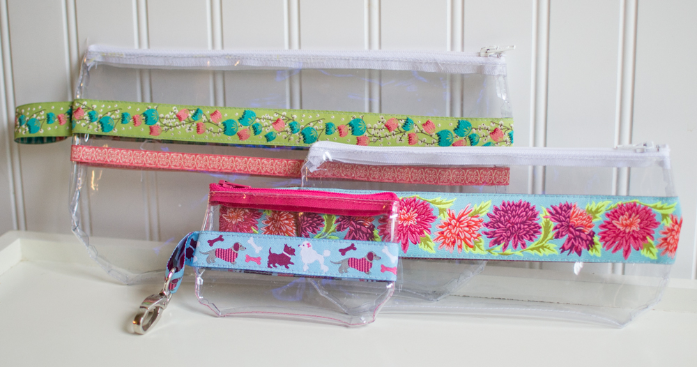 Ribbon and Vinyl Zipper Pouches {free tutorial!} — SewCanShe | Free