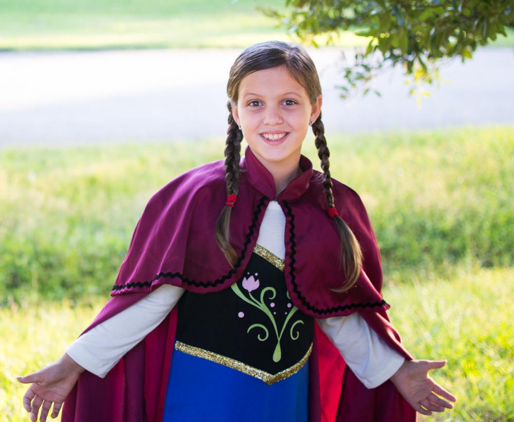 Chloe as Anna.