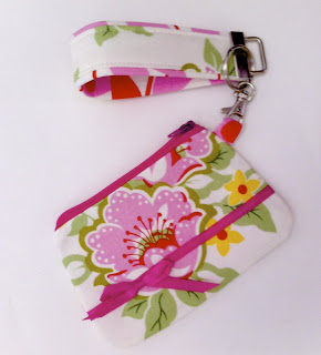 Sweet Coin Purse Tutorial for Teacher Gifts from Sew Spoiled