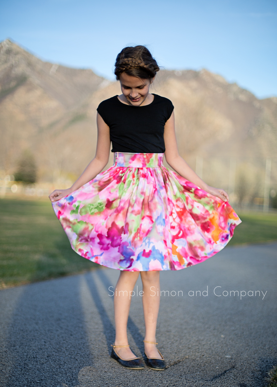A SPRING SKIRT—AND A TUTORIAL ON AN EASY GATHERED SKIRT from SIMPLE SIMON AND COMPANY
