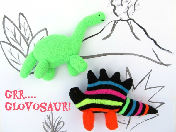 GLOVE ANIMAL TUTORIAL: UPCYCLED from CUCICUCICOO