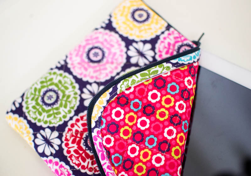 pretty nice e8722 94340 The Pretty Quilted iPad Case {free pattern} — SewCanShe | Free ...