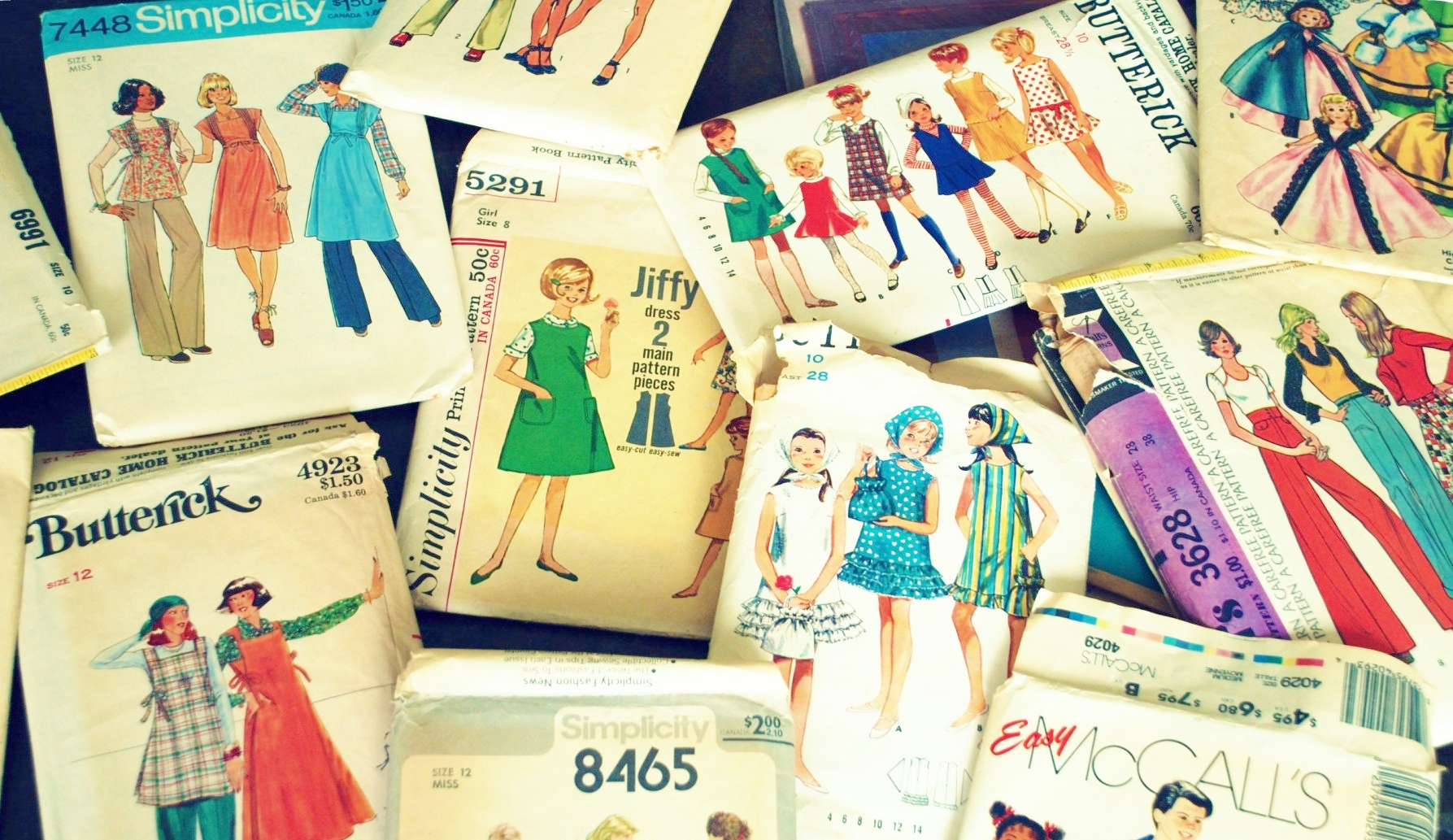 photo from A Forsest Frolic   http://aforestfrolic.typepad.com/a-forest-frolic/2010/07/vintage-sewing-patterns.html