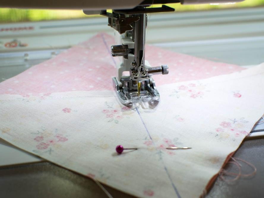 sewing quarter square triangles.jpg