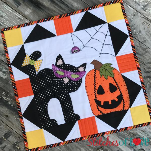 Kitten\u0027s Halloween Party , Free Mini Quilt Pattern