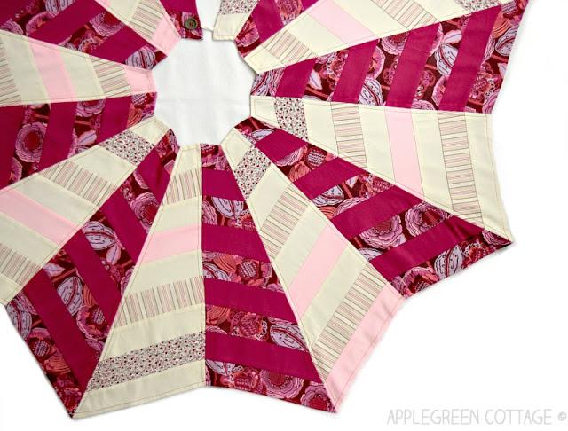 Quilted-Christmas-Tree-Skirt-final-ang.jpg