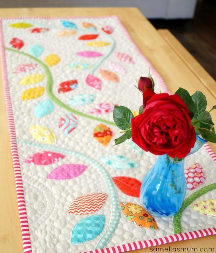 Christmas Table Runner Patterns Free.25 Show Stopping Free Table Runner Patterns Sewcanshe