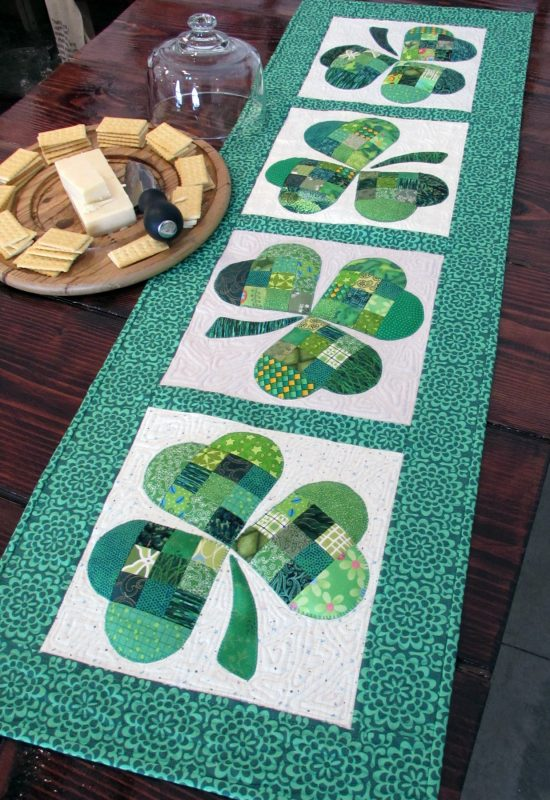Christmas Table Runners To Sew.25 Show Stopping Free Table Runner Patterns Sewcanshe