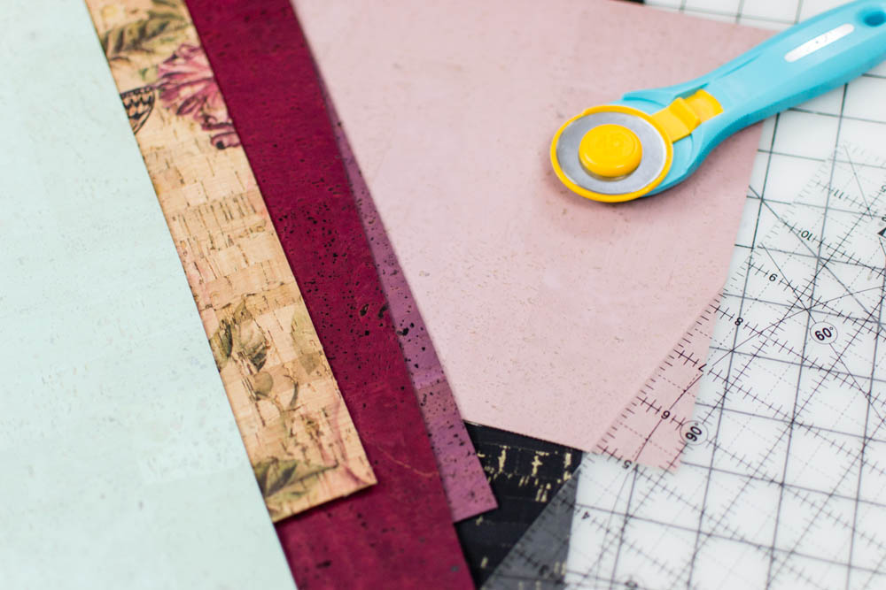 Sew an In-The-Hoop Zipper Clutch on your Embroidery Machine