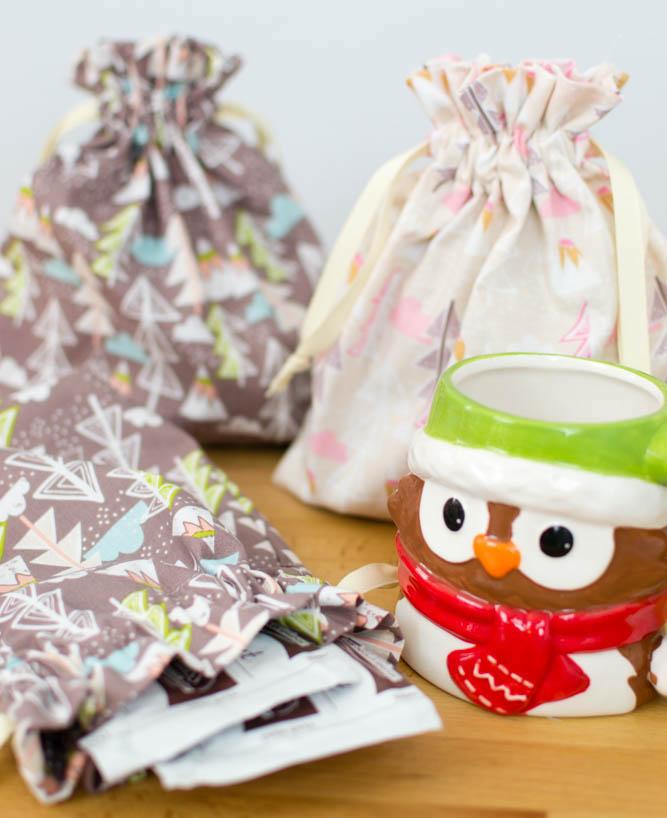 Hot Cocoa Bags - easy last minute gift idea.