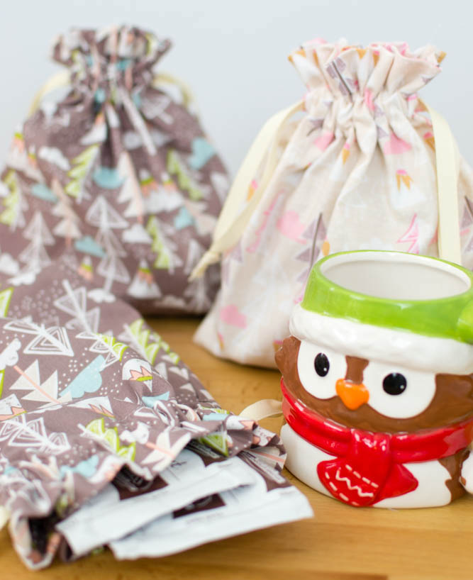 Hot Cocoa Bags - easy last minute gift idea.