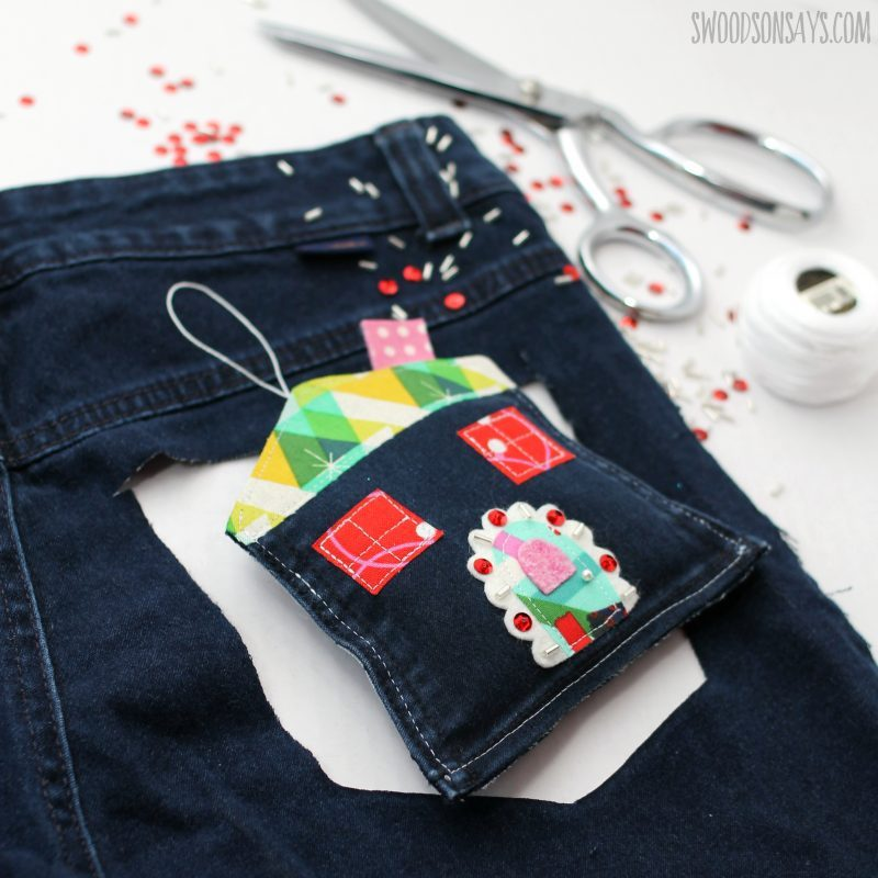 upcycled-old-jean-christmas-craft-e1542385721771.jpg