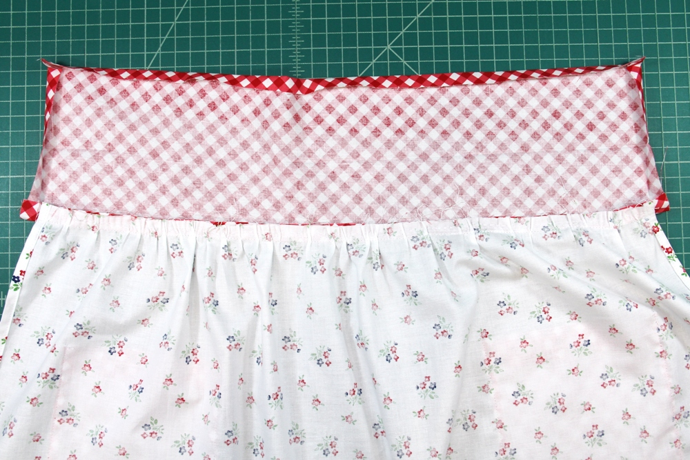 18. waistband pressed away from skirt.JPG