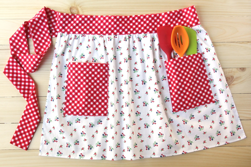 Patch Pocket Apron by Crafty Staci for SewCanShe 1.JPG