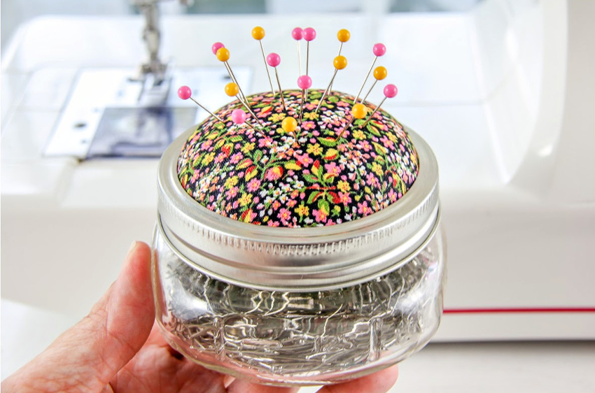 DIY-pin-cushion-jar-craft (1).jpg