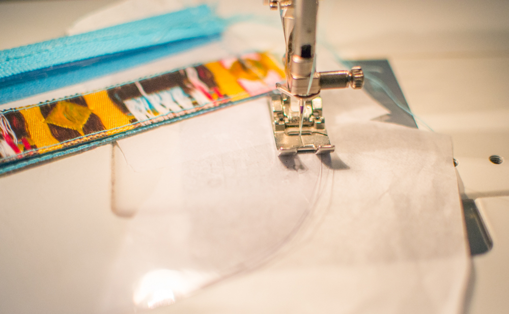 Click to see how to sew my Ribbon and Vinyl Zipper Pouches.