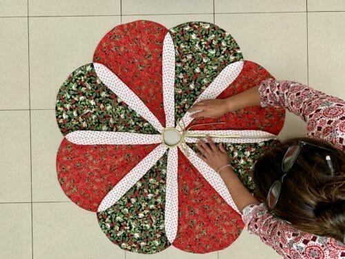 Thanksgiving Spotlight Traditional Scalloped Christmas Tree Skirt Sewcanshe Free Sewing Patterns And Tutorials