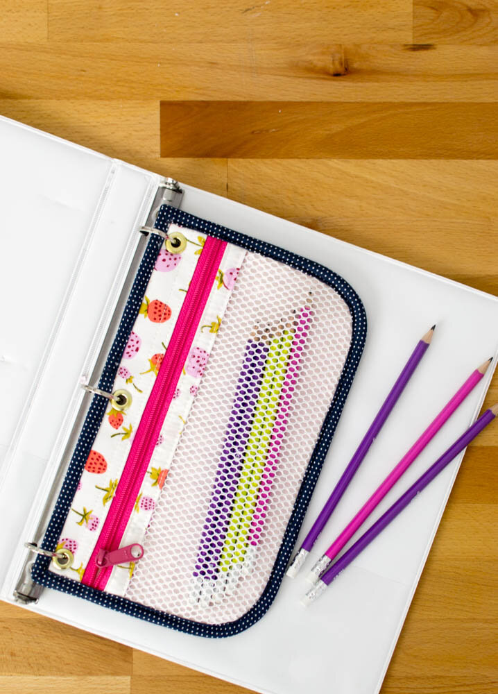 https://www.sewcanshe.com/blog/2018/7/12/show-off-saturday-sewing-3-ring-pencil-pouches