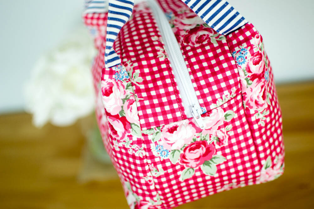 https://www.sewcanshe.com/blog/2017/3/21/chubby-lunch-tote-free-sewing-pattern