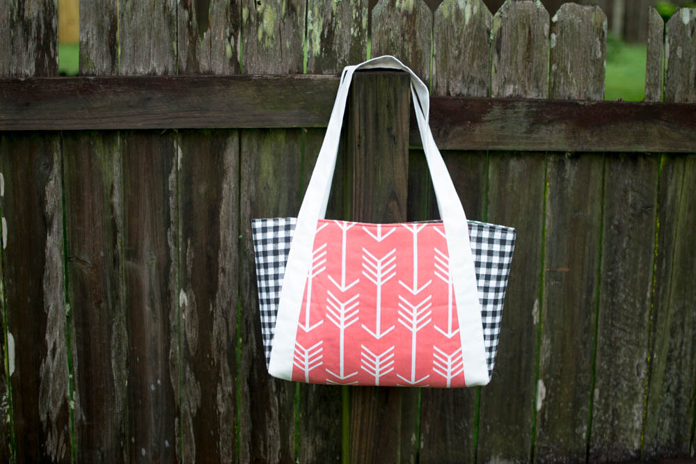https://www.sewcanshe.com/blog/2016/6/10/the-picnic-tote-free-sewing-pattern