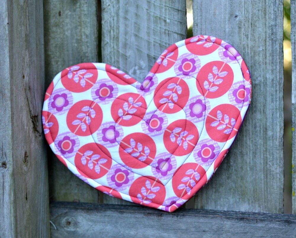heart potholder.jpg