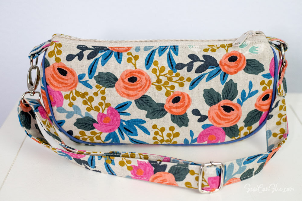 Sew my Beautiful Baguette Bag - it's  small AND you can pack it with all your essentials!