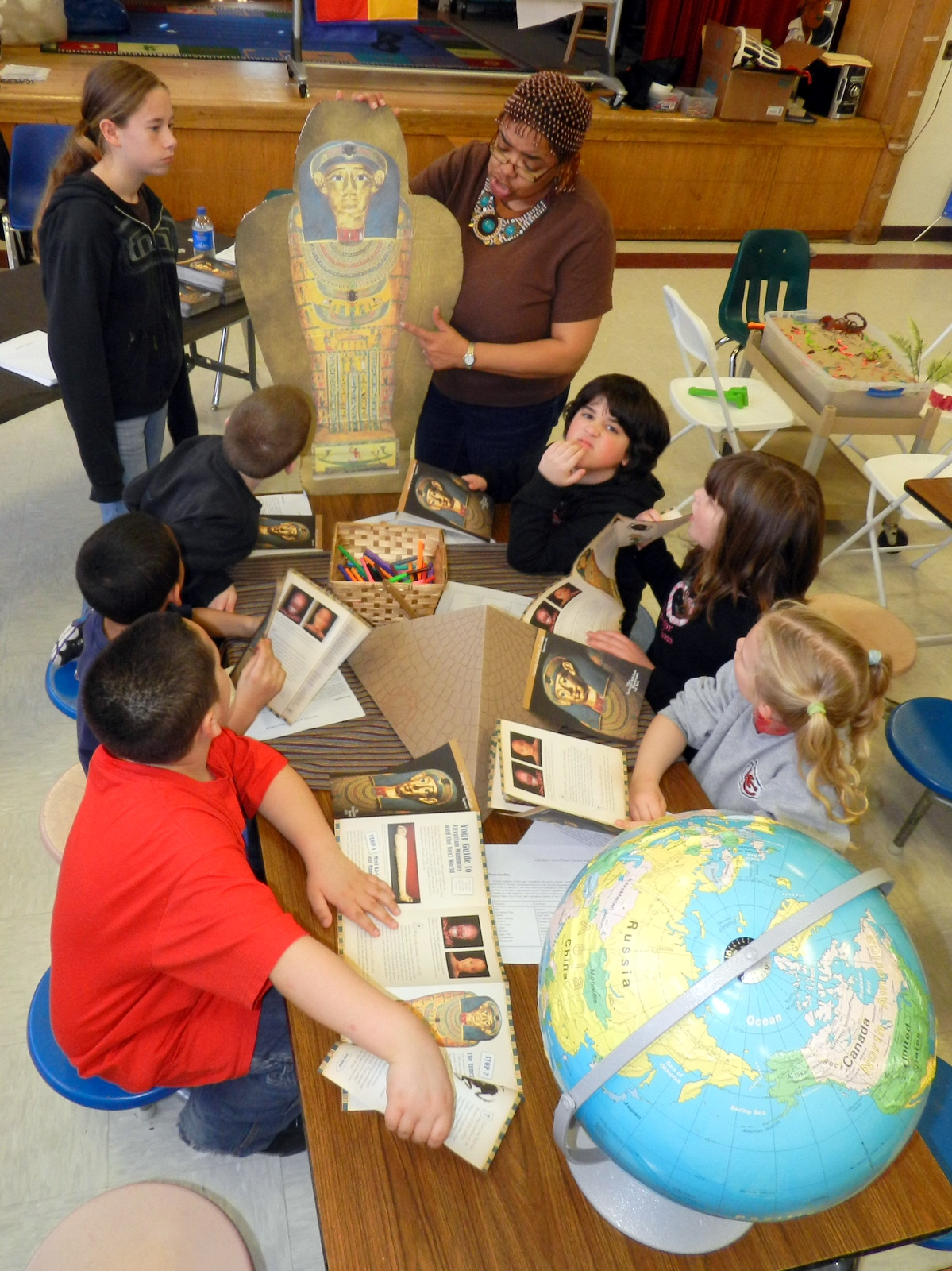 Independence students learn about Egyptian history at Culture Day held at Korte Elementary.