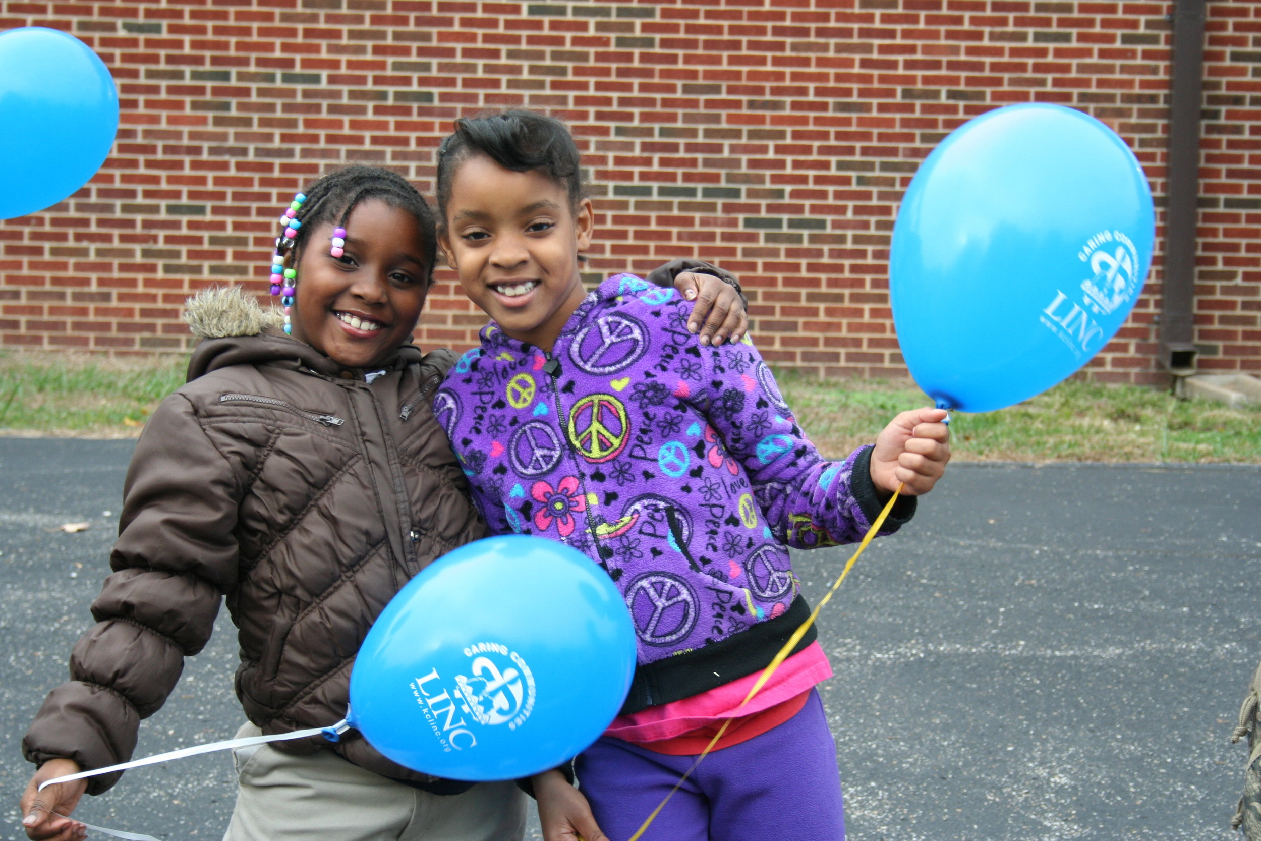 LINC Students from Conn-West Elementary in the Grandview School District celebrate Lights On Afterschool.
