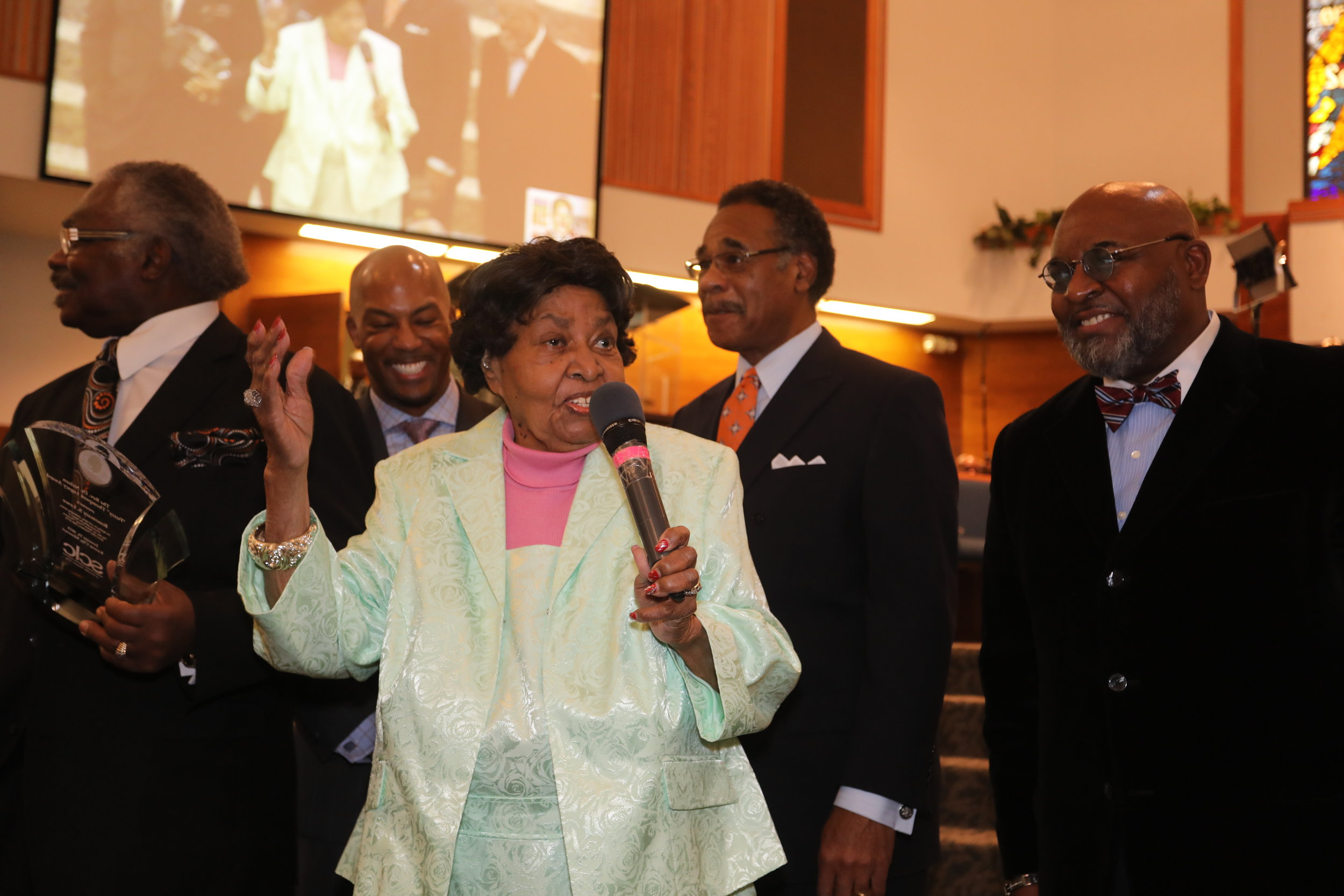 "Rev. Dr. Nelson ""Fuzzy""Thompson"" Legacy Award honoree Rosemary Lowe and (from left) presenter Rev. John M. Miles (Morning Star Missionary Baptist Church), SLCL Chairman Wesley Fields, U.S. Rep. Emanuel Cleaver II, and SCLC President Dr. Vernon Percy Howard Jr."