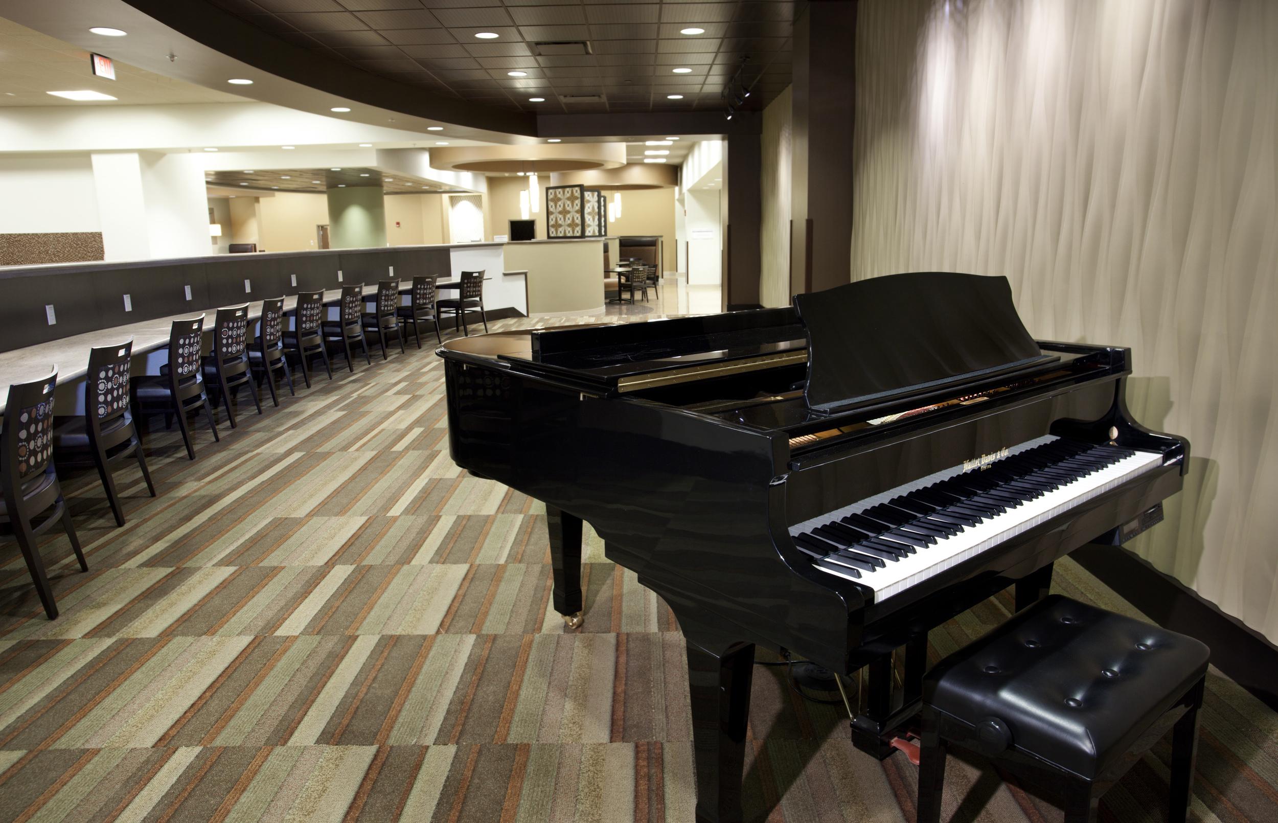 Piano Bar.jpg