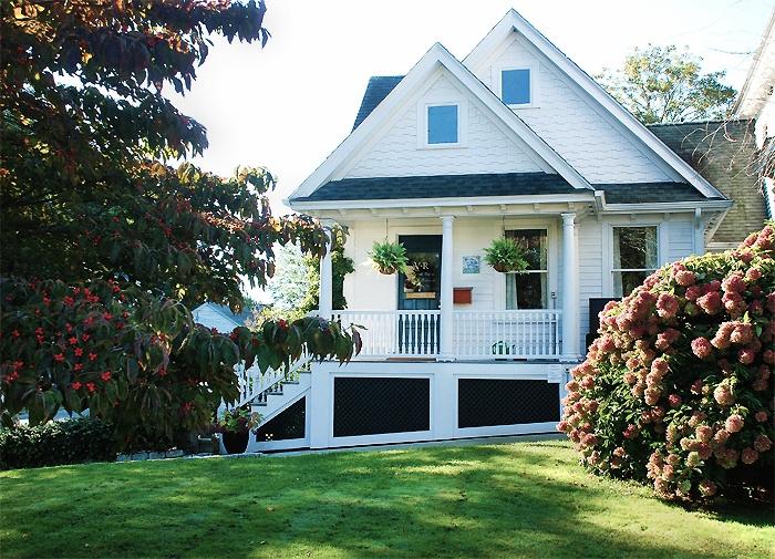 sally exterior porch view v2 alabaster 700px wide.jpg