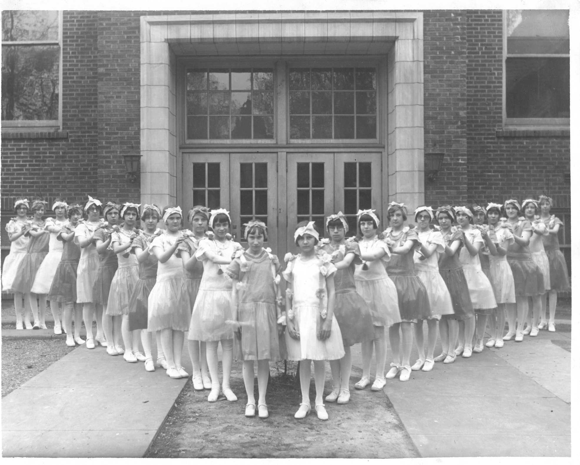 girls1929.jpg