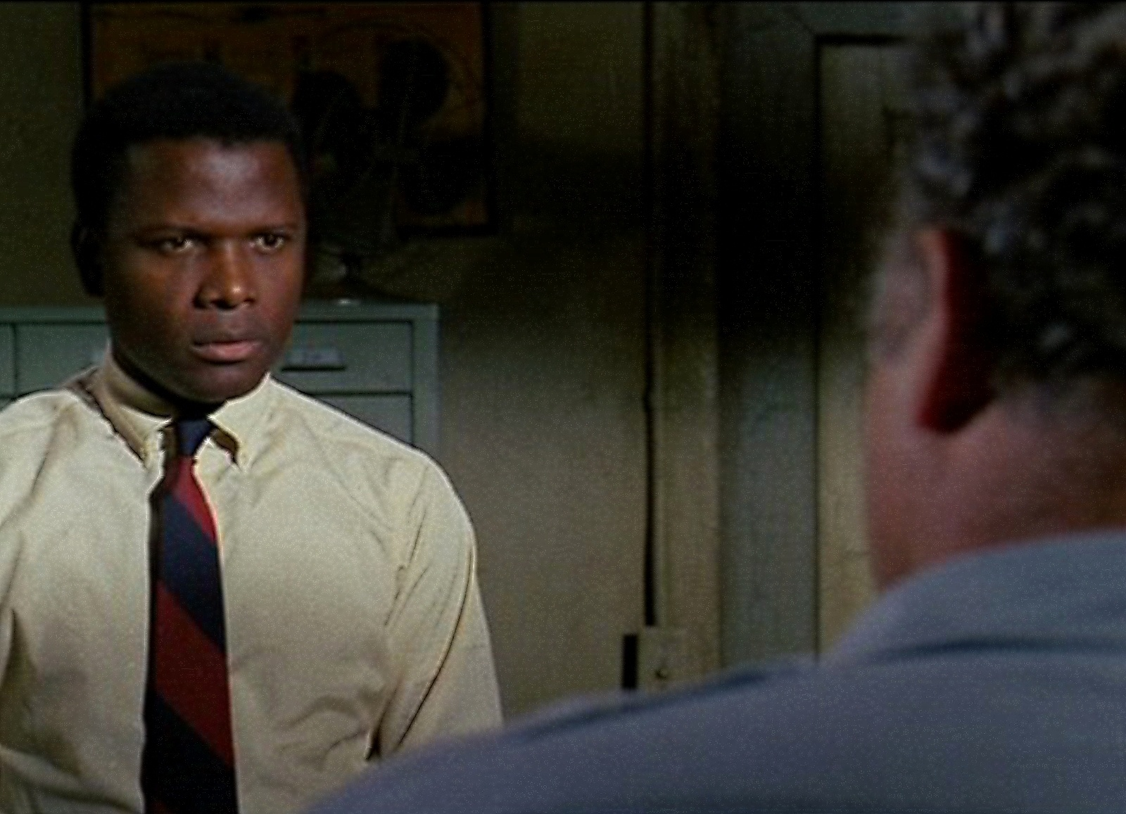 in_the_heat_of_the_night_2_poitier.jpg