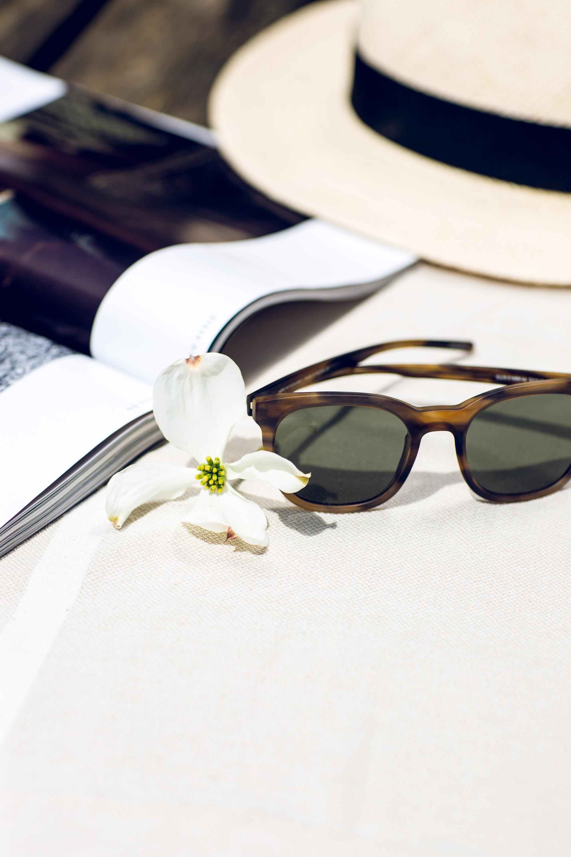 «Ellis» sunglasses in brown marbled matte .