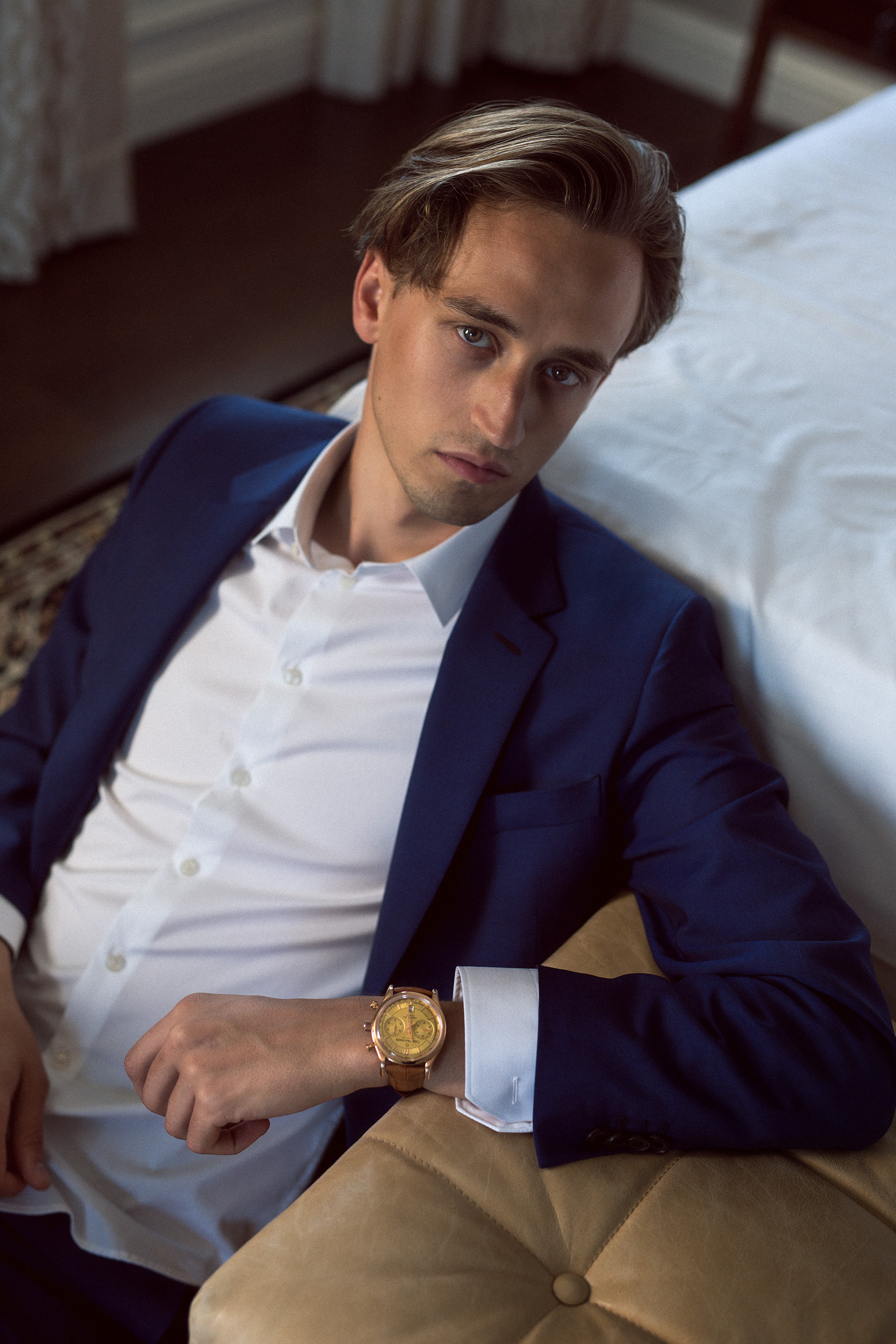 Moritz is wearing the Carl F. Bucherer Manero Flyback Chronograph in champagne.