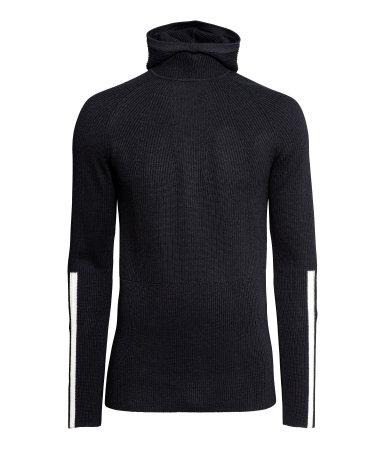 Hooded sweater in merino wool