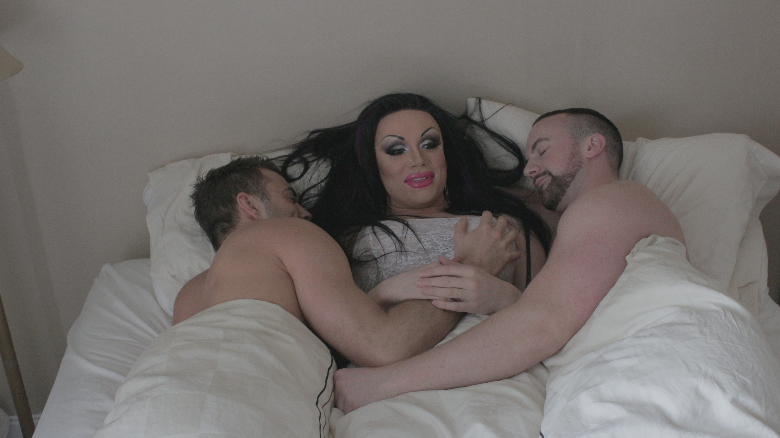 Busy in bed with her men, Todd and Riley. They broke up 4 days after filming.