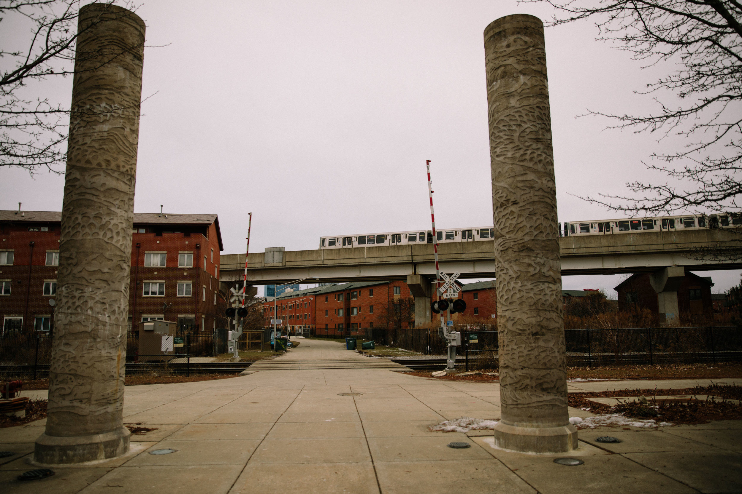 A train moves along the El (elevated line) running through Ping Tom park in Chicago. Chicago is home to MCC partner organization, Parents for Peace and Justice, a support and advocacy organization for families who have lost kids to gun violence in Chicago.